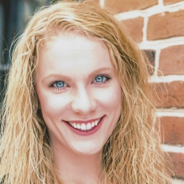 Headshot Image of Jest Murder Mystery Co. Entertainer Elizabeth Kelley